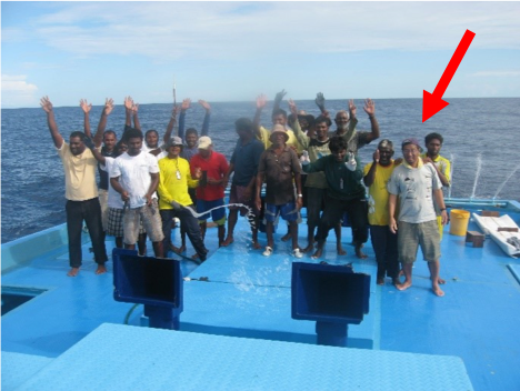Tom (red arrow) leading IOTC tagging experiments (Maldives) (2009)