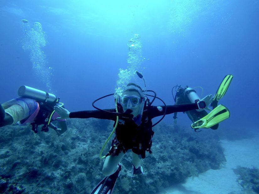 Delaney Lawson scuba diving